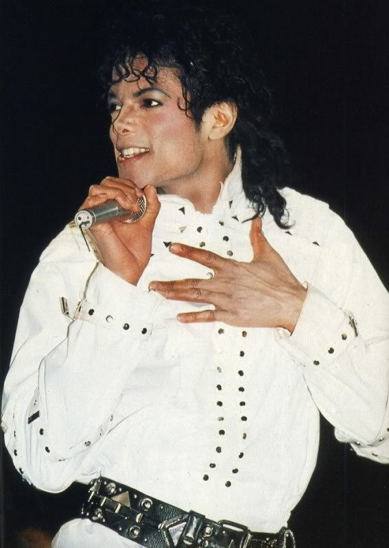 Bad World Tour Onstage- Working Day And Night 009-1-1