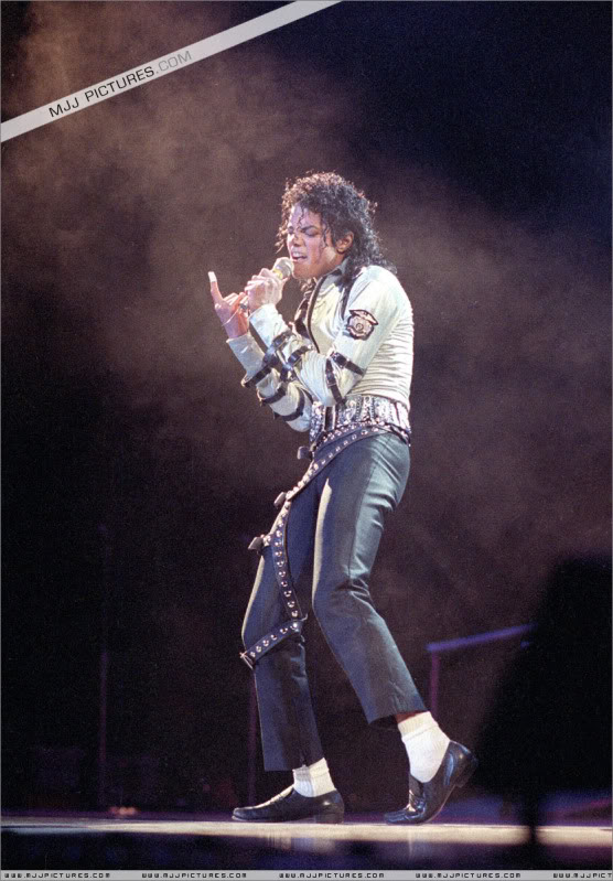 Bad World Tour Onstage- Various 009-2-1