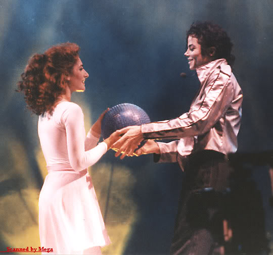 Dangerous World Tour Onstage- Heal The World 009-41