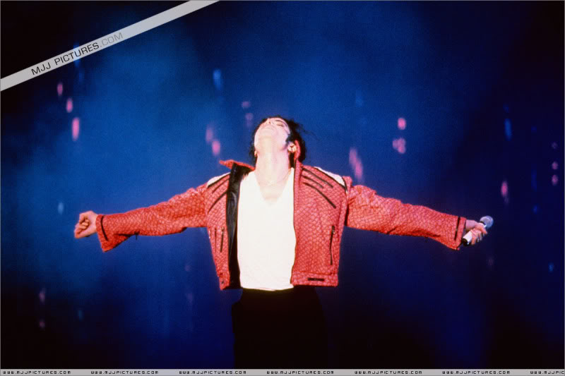 Dangerous World Tour Onstage- Latest Additions 009-7-1
