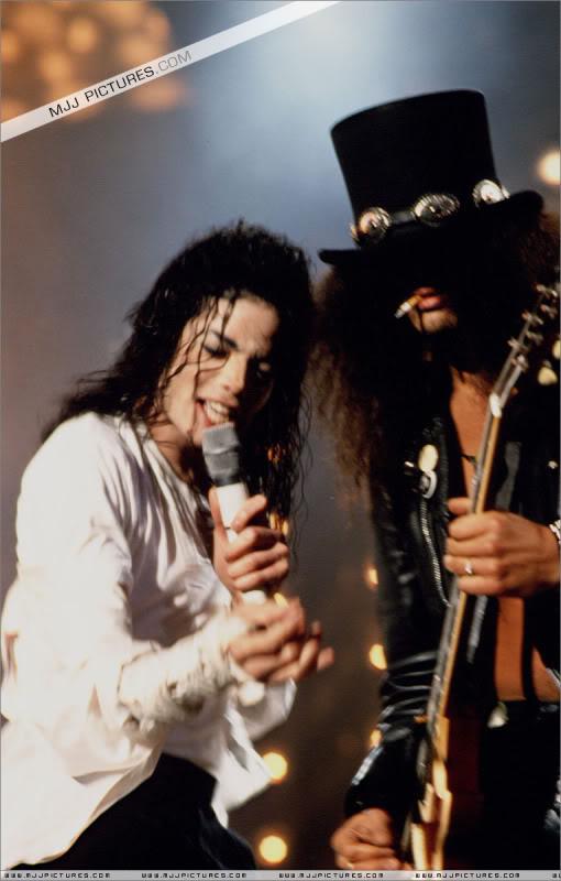 Dangerous World Tour Onstage- Black Or White 010-39