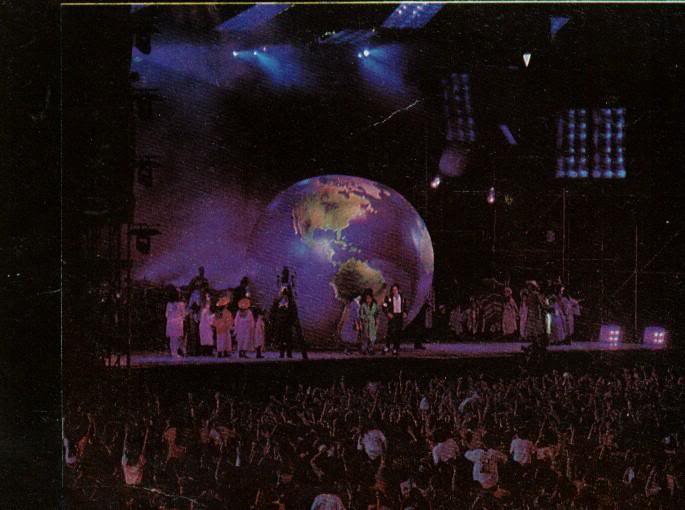 Dangerous World Tour Onstage- Heal The World 010-40
