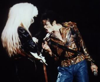 Dangerous World Tour Onstage- Working Day And Night 011-4-1