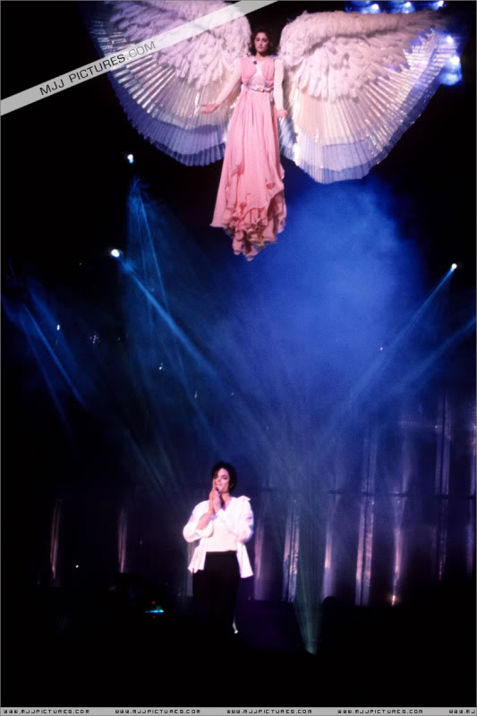 Dangerous World Tour Onstage- Latest Additions 011-5-1