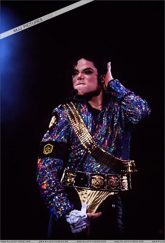 Dangerous World Tour Onstage- Jam 012-15