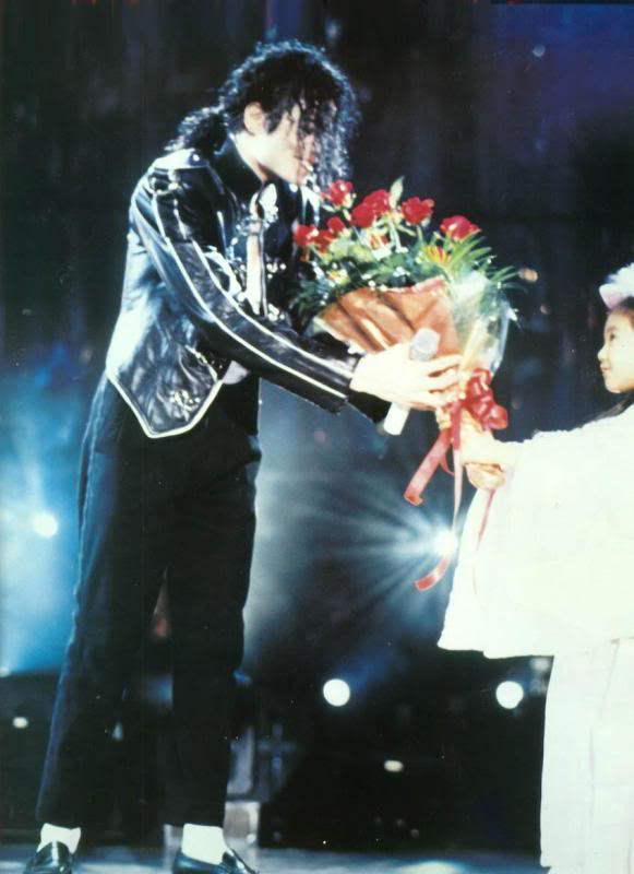 Dangerous World Tour Onstage- Heal The World 012-37
