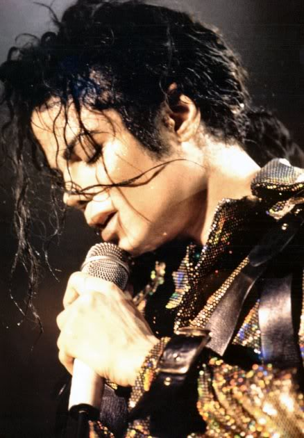 Dangerous World Tour Onstage- Working Day And Night 012-4-1