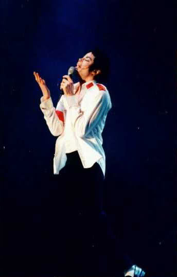 Dangerous World Tour Onstage- Man In The Mirror 013-2-1