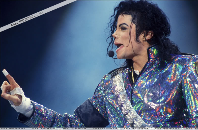 Dangerous World Tour Onstage- Jam 014-13