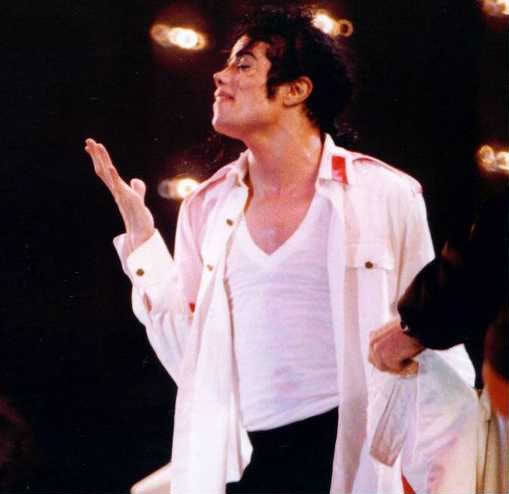 Dangerous World Tour Onstage- Man In The Mirror 014-2-1