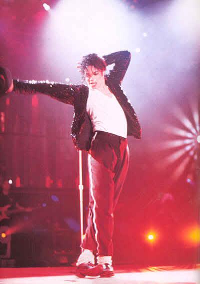 Dangerous World Tour Onstage- Billie Jean 014-34-1