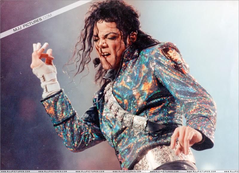 Dangerous World Tour Onstage- Jam 015-12