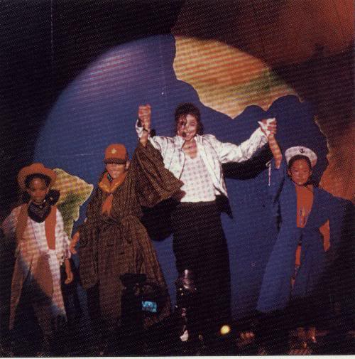 Dangerous World Tour Onstage- Heal The World 015-35-1