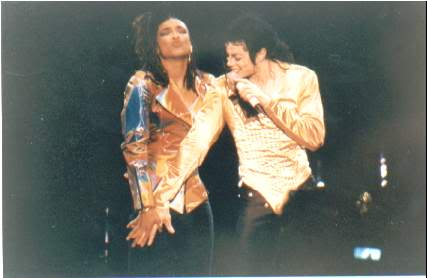 Dangerous World Tour Onstage- I Just Can't Stop Loving You - She's Out Of My Life 015-36-1