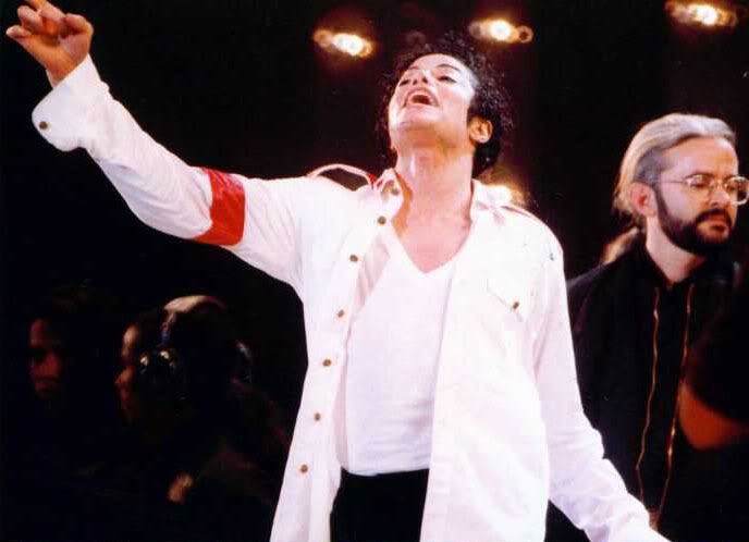 Dangerous World Tour Onstage- Man In The Mirror 016-2-1