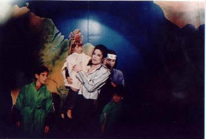 Dangerous World Tour Onstage- Heal The World 016-32