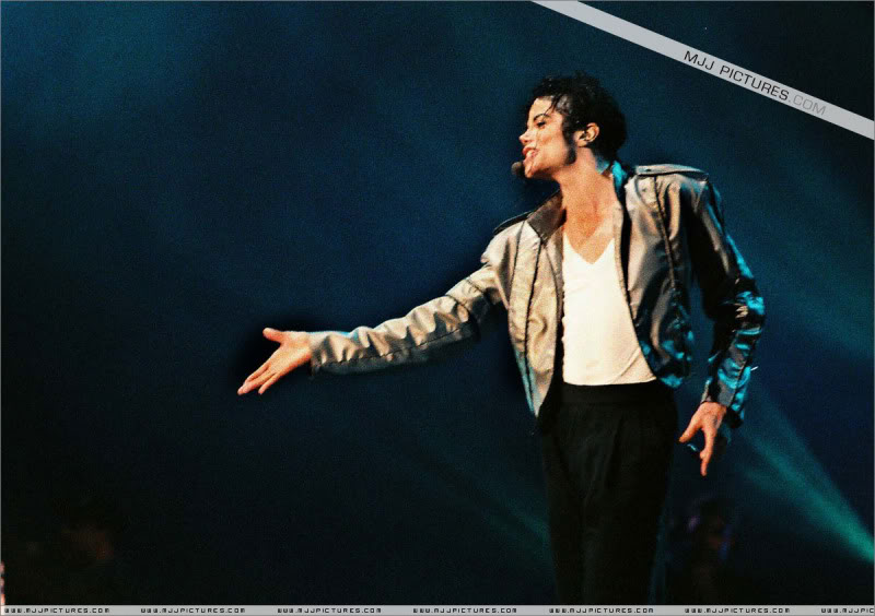 Dangerous World Tour Onstage- Latest Additions 017-4-1