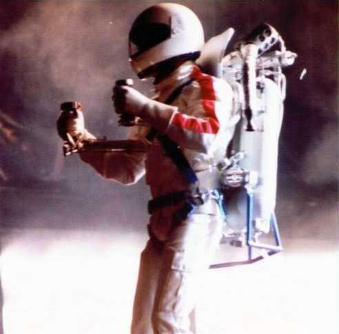Dangerous World Tour Onstage- Man In The Mirror 019-2-1