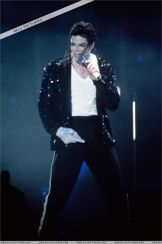 Dangerous World Tour Onstage- Latest Additions 0204