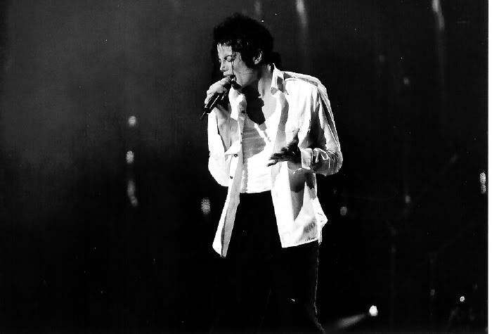 Dangerous World Tour Onstage- Man In The Mirror 021-2-1