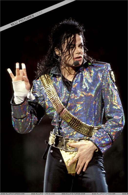 Dangerous World Tour Onstage- Jam 022-8