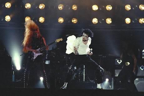 Dangerous World Tour Onstage- Black Or White 023-23-1