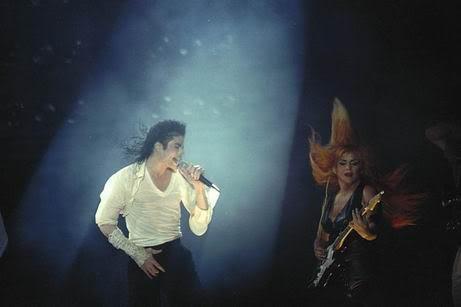 Dangerous World Tour Onstage- Black Or White 024-23-1