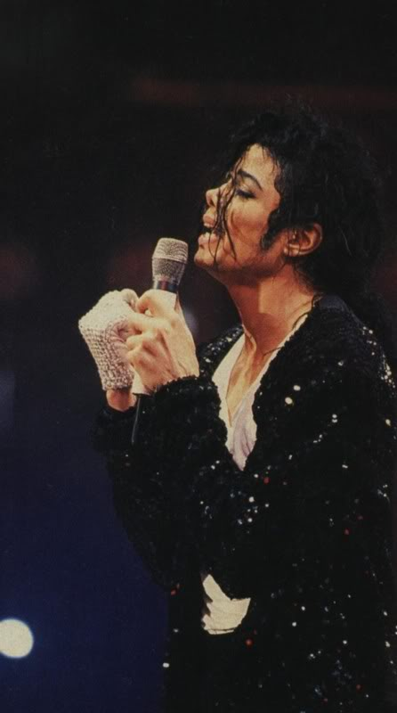 Dangerous World Tour Onstage- Latest Additions 025-4-1