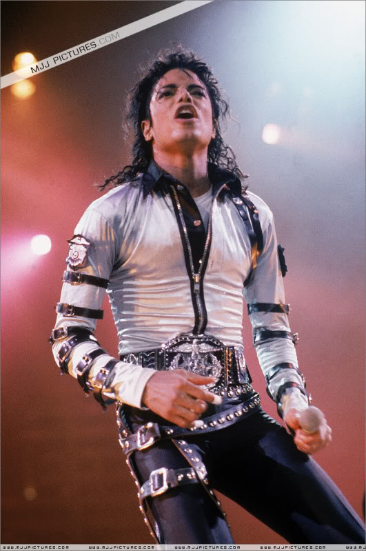 Bad World Tour Onstage- Various 026-1