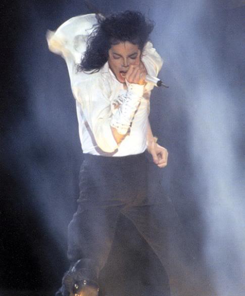 Dangerous World Tour Onstage- Black Or White 026-23-1