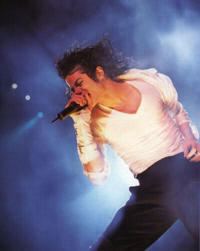 Dangerous World Tour Onstage- Black Or White 027-23