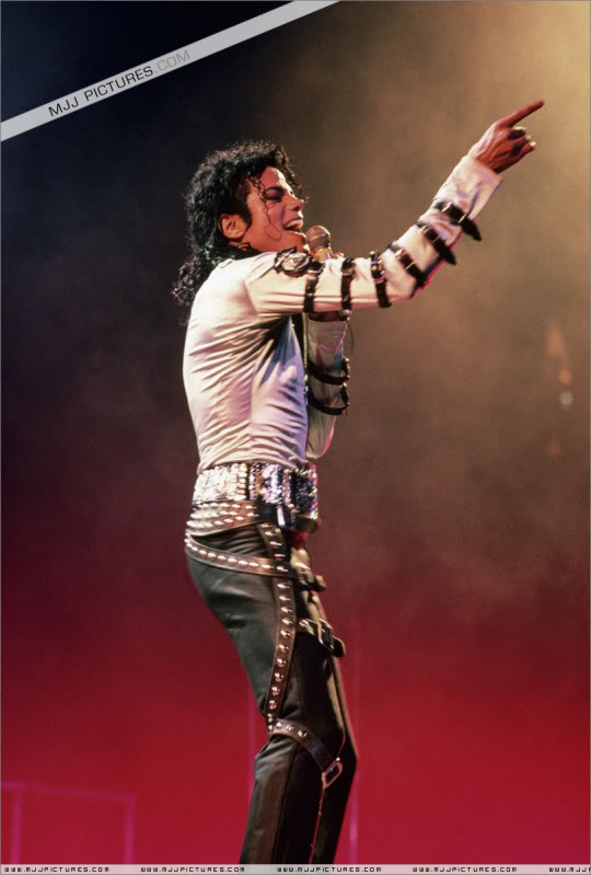 Bad World Tour Onstage- Various 028-1