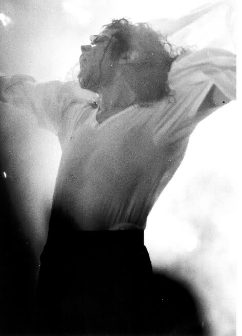 Dangerous World Tour Onstage- Black Or White 028-23-1
