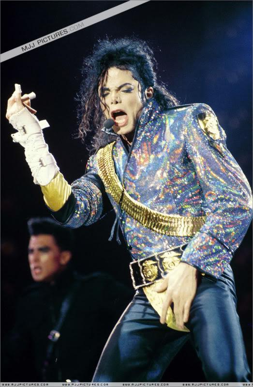 Dangerous World Tour Onstage- Jam 028-8