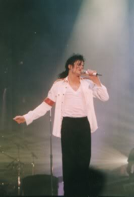Dangerous World Tour Onstage- Man In The Mirror 029-2-1