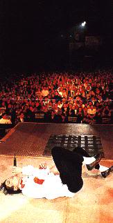 Dangerous World Tour Onstage- Man In The Mirror 032-2-1