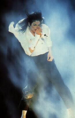 Dangerous World Tour Onstage- Black Or White 034-21-1