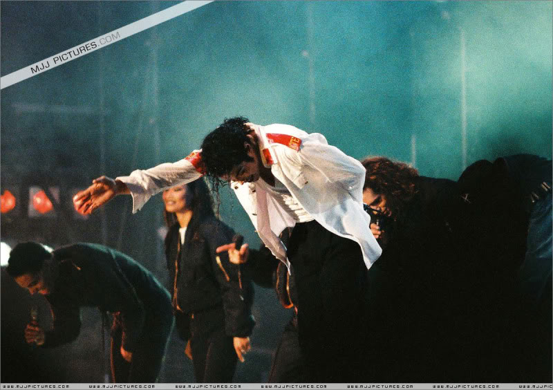 Dangerous World Tour Onstage- Latest Additions 034-3-1