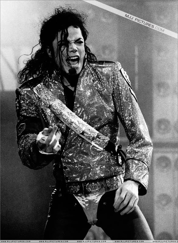 Dangerous World Tour Onstage- Jam 034-7