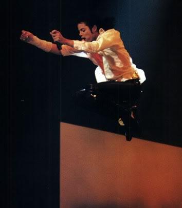 Dangerous World Tour Onstage- Black Or White 036-20