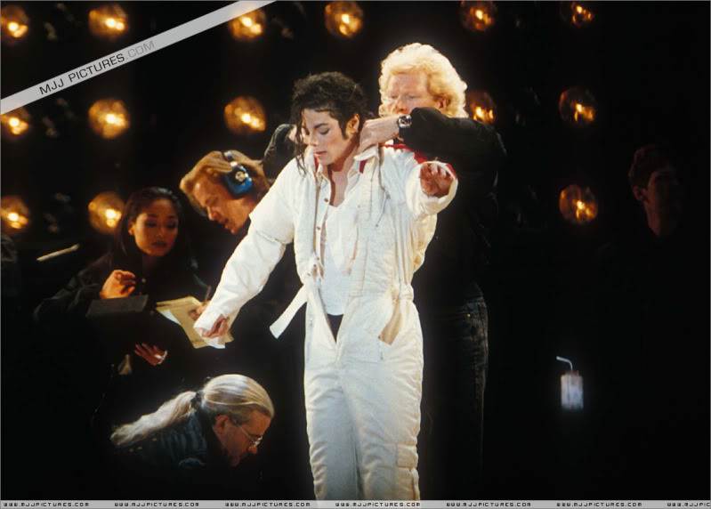 Dangerous World Tour Onstage- Latest Additions 036-3-1