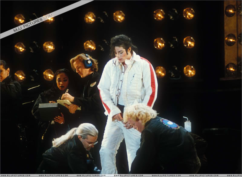 Dangerous World Tour Onstage- Latest Additions 037-3-1