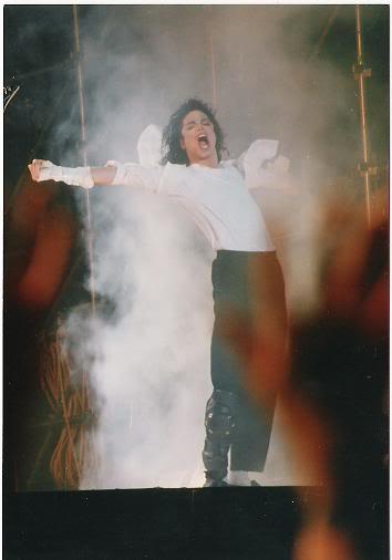 Dangerous World Tour Onstage- Black Or White 039-17