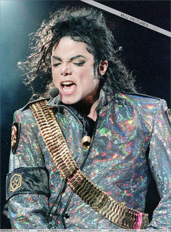 Dangerous World Tour Onstage- Jam 041-5
