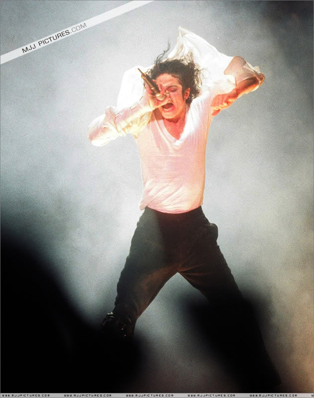 Dangerous World Tour Onstage- Latest Additions 044-3-1