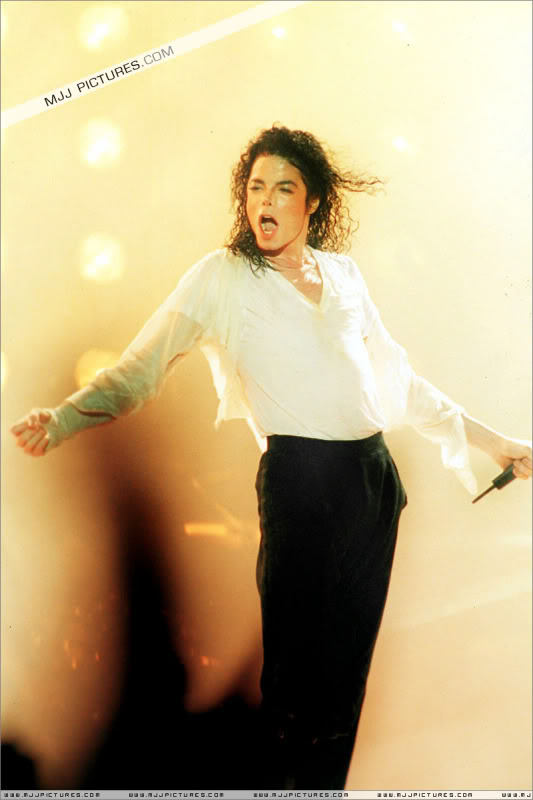Dangerous World Tour Onstage- Latest Additions 045-3-1