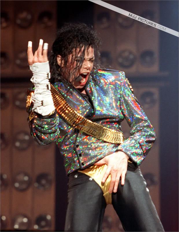 Dangerous World Tour Onstage- Jam 046-4