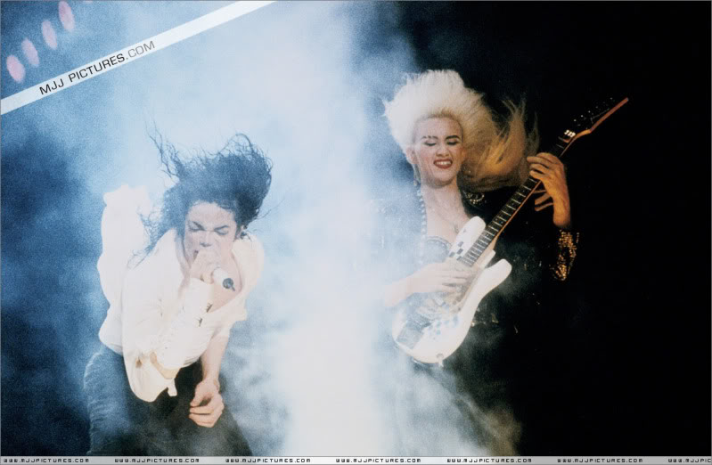 Dangerous World Tour Onstage- Latest Additions 047-3-1