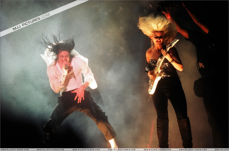 Dangerous World Tour Onstage- Latest Additions 049-3-1