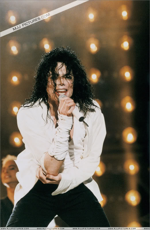 Dangerous World Tour Onstage- Latest Additions 050-3-1